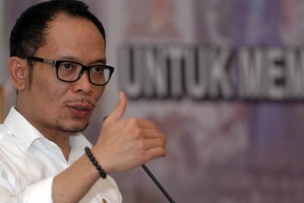 Menaker Serahkan 2.513 Sertifikat Kompetensi Kerja di Semarang