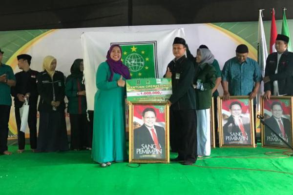 Gelar Turba, Nihayatul Wafiroh Sumbang Bendera PKB dan Foto Cak Imin