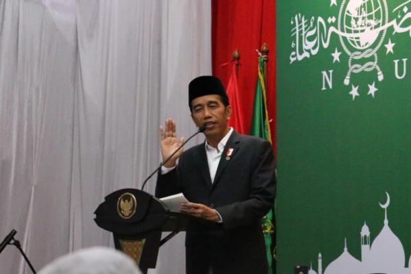 Presiden Berikan Sertifikat Tanah untuk Masjid dan Mushala di Sumbar