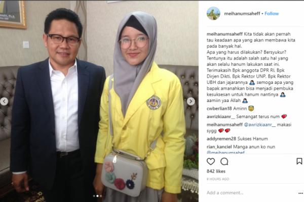 Mahasiswi Ini Manfaatkan Sosmed Berwirausaha, Cak Imin: Hebat!