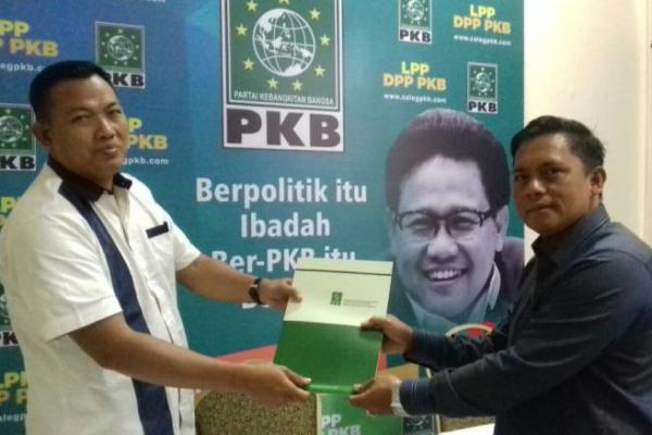 Sofyan Ali Resmi Ambil Formulir Pendaftaran Bacaleg DPR RI