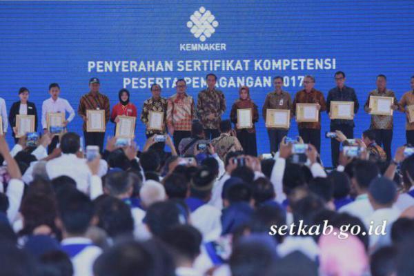 Ribuan Peserta Pemagangan Terima Sertifikat Kompetensi