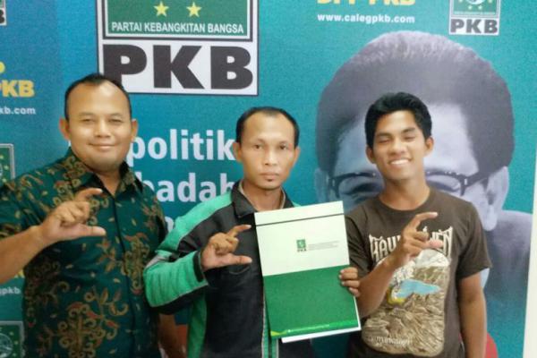 "Driver Ojek Online ""Nyalon"" ke PKB, Cak Imin: Selamat Bergabung!"