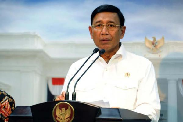 Menko Polhukam Wiranto Ditusuk Pria Tak Dikenal di Pandeglang