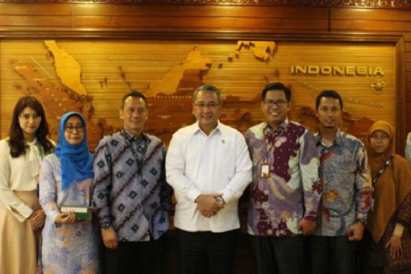 Menteri Eko Sandjojo Dukung Program Desa Berdaya