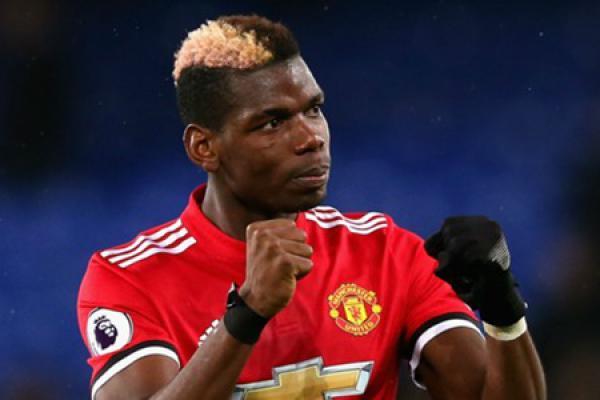 Robert Pires Minta Pogba Bertahan di Manchester United