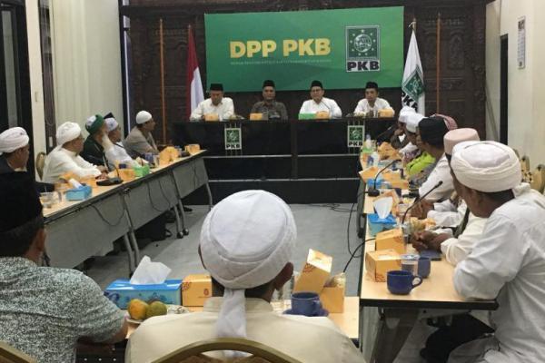 Berkunjung ke PKB, 30 Ulama Sumut Doakan Cak Imin Dampingi Jokowi