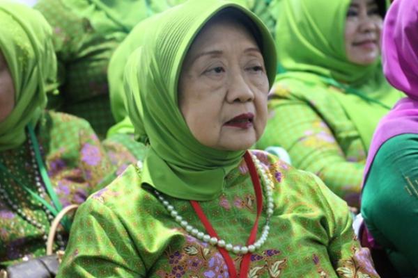 Nyai Aisyah Hamid Baidlowi Wafat, Warga Nahdliyin Berduka