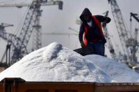 INDEF: Kinerja Perdagangan Turun Meski Surplus
