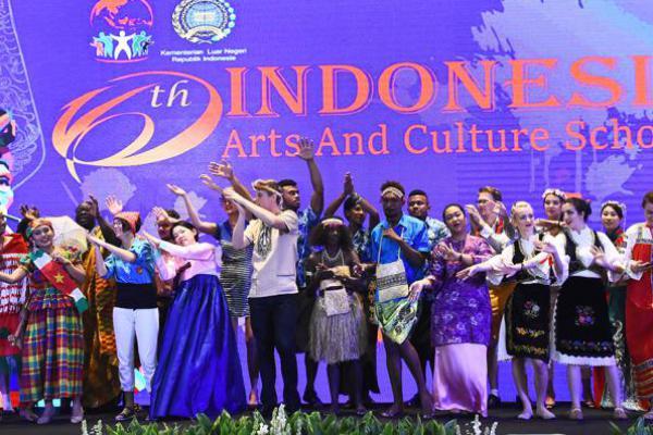 Ada 72 Pemuda dari 44 Negara Pelajari Budaya Indonesia
