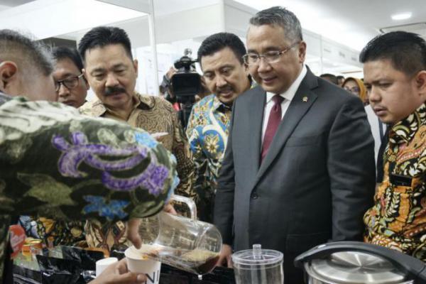 Menteri Desa Ingin Produk Desa Dikenali Dunia Intenasional
