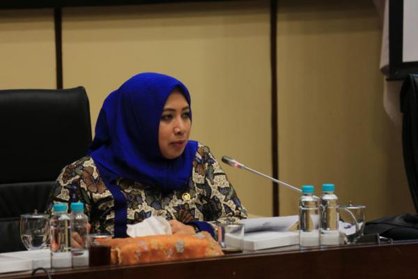 Nihayatul Wafiroh Sabet Penghargaan Legislator Terbaik 2018
