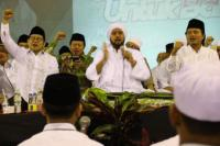 """Habib Syech Dinobatkan Sebagai """"Tokoh Penggerak Shalawat"""""""