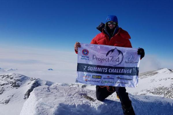 Pecahkan Rekor, Warga Australia Pendaki Everest Tercepat