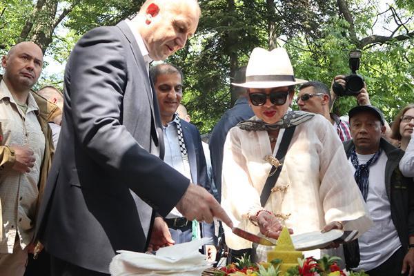 Indonesia Inisiasi Asian Festival, Presiden Bulgaria Potong Tumpeng