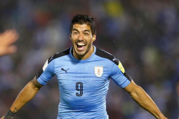 Liverpool Ingin Pulangkan Luis Suarez, Atletico Madrid Minta Roberto Firmino