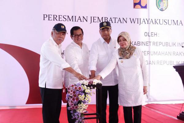 Jembatan Wijaya Kusuma Kediri Diresmikan Tiga Menteri Jokowi