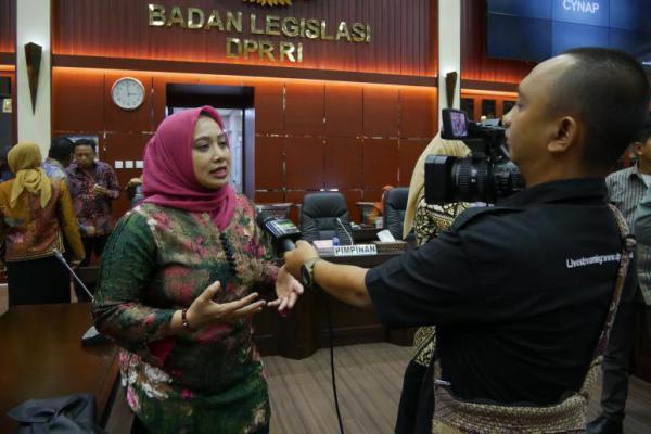 Nihayatul Wafiroh: Keperawanan Tidak Ada Korelasinya dengan Prestasi Atlet!