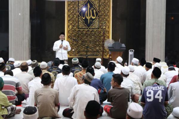Cak Imin Berikan Tausyiah Ramadan di Masjid Agung Kota Mojokerto