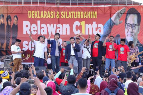 Bakar Semangat Relawan, Cak Imin: Indonesia Butuh Cinta