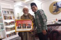 Abuya Muhtadi Serahkan Piagam JOIN, Bukti Serius Dukung Jokowi-Cak Imin