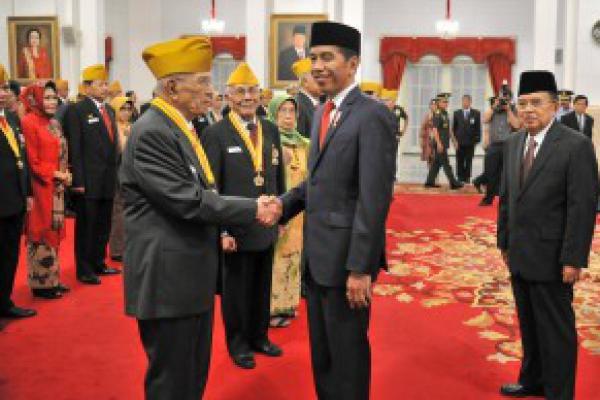 Jokowi Janji Tunjangan Kehormatan Veteran Dicairkan September