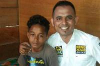 Reza Mangar, Pemanjat Bendera dari Maluku Terima Beasiswa dari Anggota FPKB