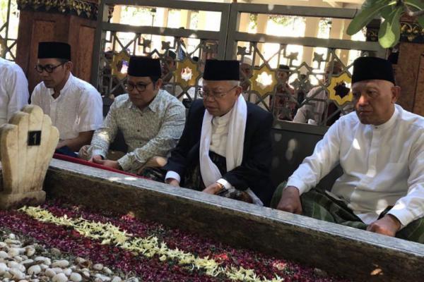Cak Imin Dampingi Ma`ruf Amin Ziarah Makam Gus Dur
