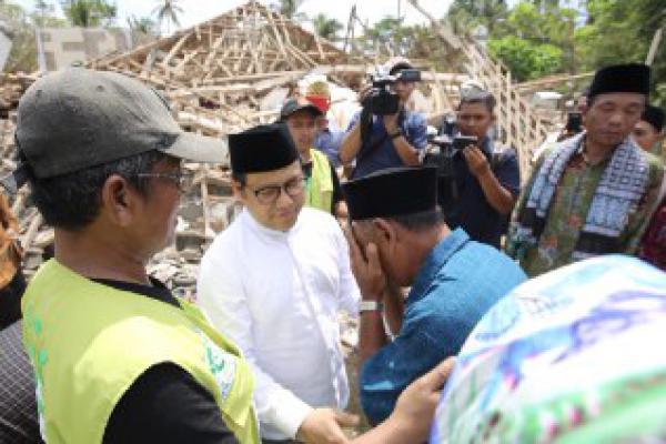 Cak Imin Bangun Ulang Masjid Saat Kunjungi Korban Gempa Lombok