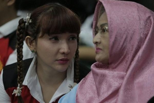 Ibunda Roro Fitria Meninggal Dunia, Pengadilan Berikan Izin Hadiri Pemakaman