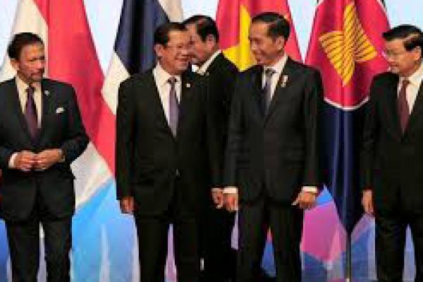 Hadiri KTT ke-33 ASEAN, Jokowi Sampaikan 3 Kunci Hadapi Situasi Global