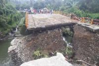 Pasca Diterjang Banjir, Jembatan Padang-Bukittinggi Tersambung Kembali