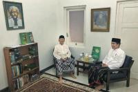 Usai Ziarah, Gus Sholah dan Jokowi Ngobrol di Kamar Mbah Hasyim