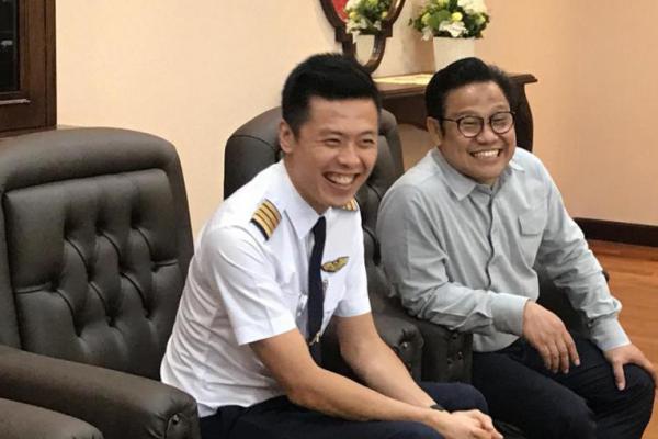 Serunya, Cak Imin Kedatangan Pilot Sekaligus Youtuber Vincen Raditya