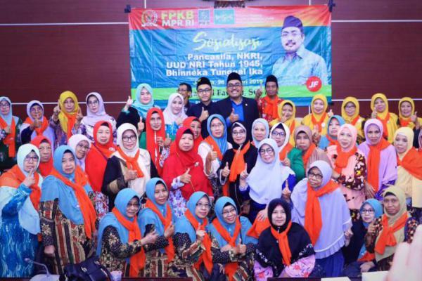 Jazilul Fawaid Gelar Sosialisasi 4 Pilar Bersama Muslimat NU Gresik
