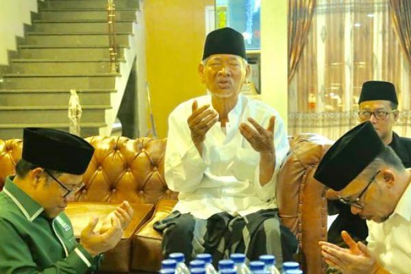 Cak Imin Sowan ke Dewan Syuro PKB KH Dimyati Rois di Kendal