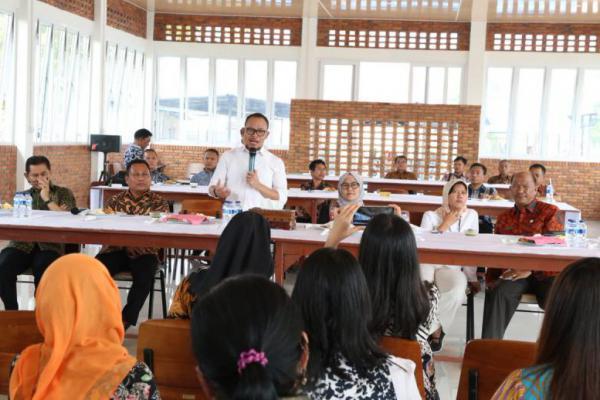 Menaker Hanif Dhakiri Kunjungi BBPLK Kota Medan