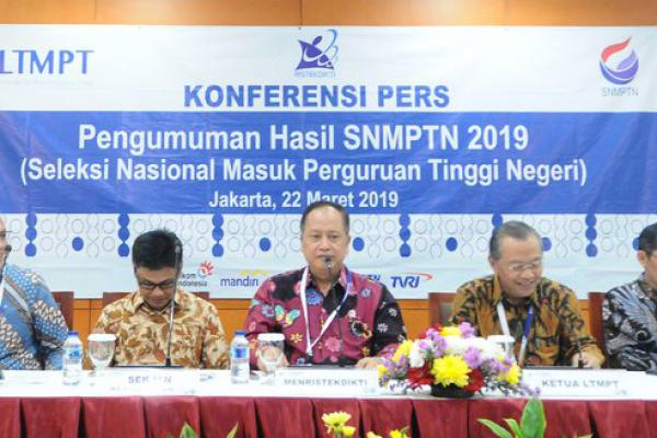 Menristekdikti Umumkan 92.331 Peserta SNMPTN 2019 Lolos Seleksi