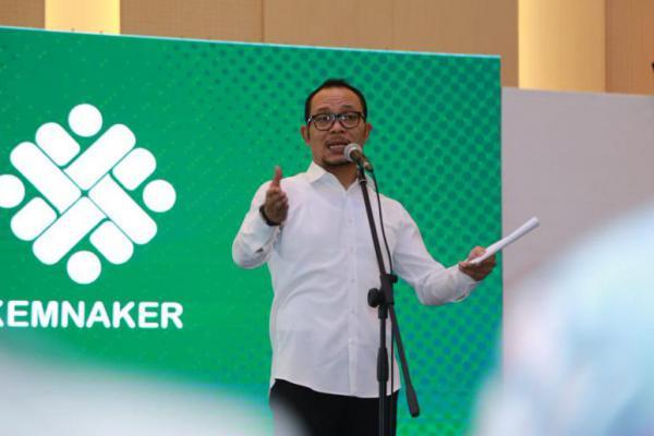 Menaker Hanif Sambut Positif Kerjasama PNM Mekaar-Desmigratif