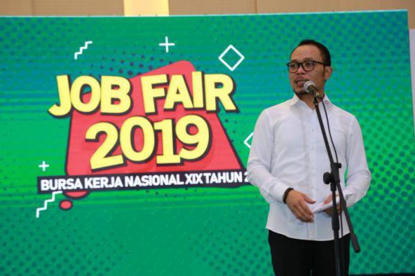Menaker Hanif Dhakiri Buka Job Fair Nasional ke-19 di Bekasi