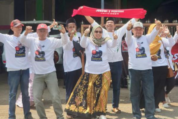 Total Dukung Jokowi, Nduk Nik Kampanye di Wongsorejo