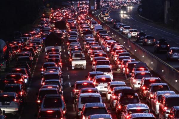 Arus Balik Lebaran Cetak Rekor, 116.000 Kendaraan Lewat Tol per Hari
