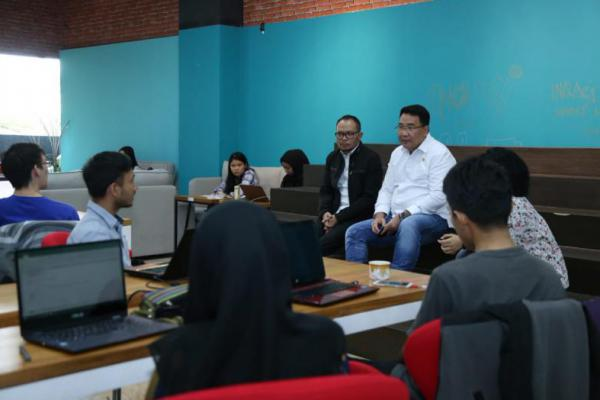 Menaker dan Mendes Gelar Dialog Bersama Pelaku Ekonomi Kreatif di `Innovation Room Talent Hub`