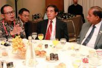 Kenakan Batik, Menaker Bertemu Menteri-Menteri Tenaga Kerja Se-ASEAN di Jenewa