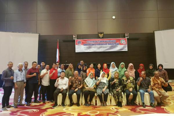 Ditjen PHI-JSK Kemnaker Gelar Pelatihan Teknik Negoisasi di Pangkal Pinang