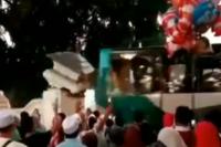 Bus Pengantar Jemaah Haji Serempet Pagar, 1 Bocah SD Tewas