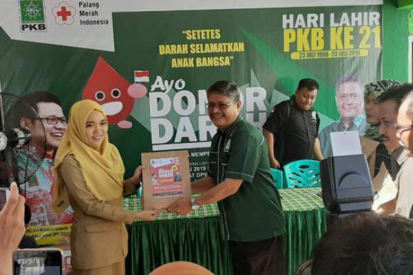 Sambut Harlah ke-21, PKB Sulteng Gelar Donor dan Santunan Anak Yatim