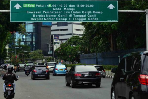 Pengusaha Angkutan Barang Ganti Pelat Hitam ke Kuning Antisipasi Ganjil Genap
