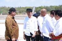 Tinjau Produkai Garam di Kupang, Jokowi: Potensinya Sampai 21 Hektare