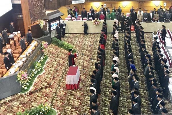 DPRD Provinsi Jatim Resmi Dilantik, PDIP dan PKB Mendominasi